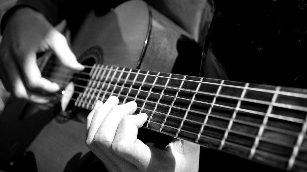 Guitar classic là gì? Cách để phân biệt đàn guitar classic