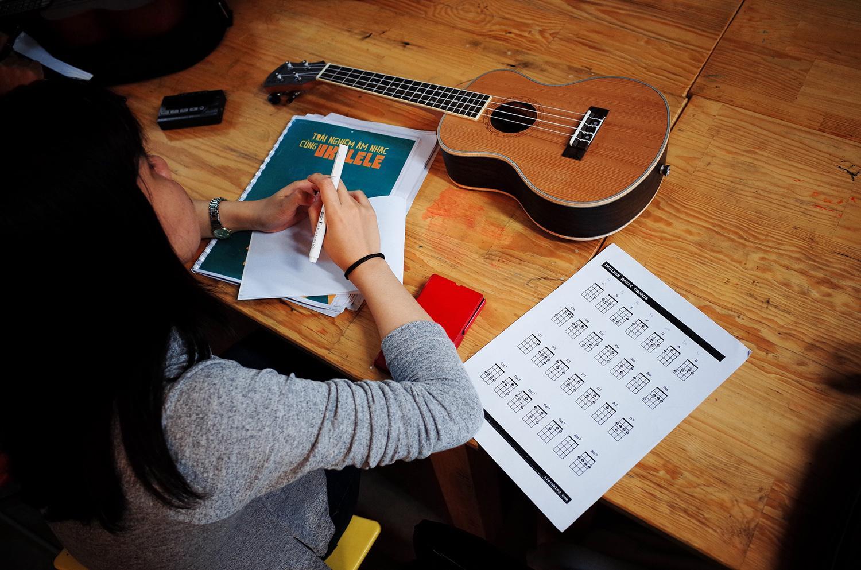 Giáo trình tự học đàn ukulele mới cập nhật mới