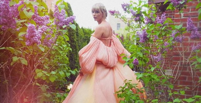 """Taylor Swift rũ bỏ hình tượng """"nàng rắn kiêu kỳ"""" quay về """"công ..."""