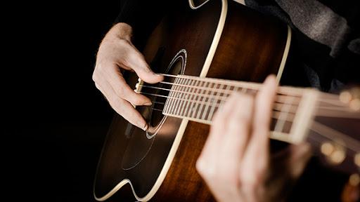 Lớp học đàn Guitar TPHCM uy tín - Giáo viên nhiệt tình