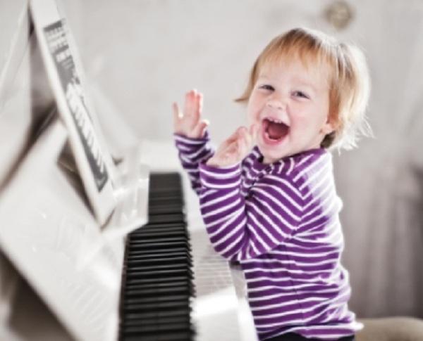 Vì sao nên cho trẻ học đàn organ?