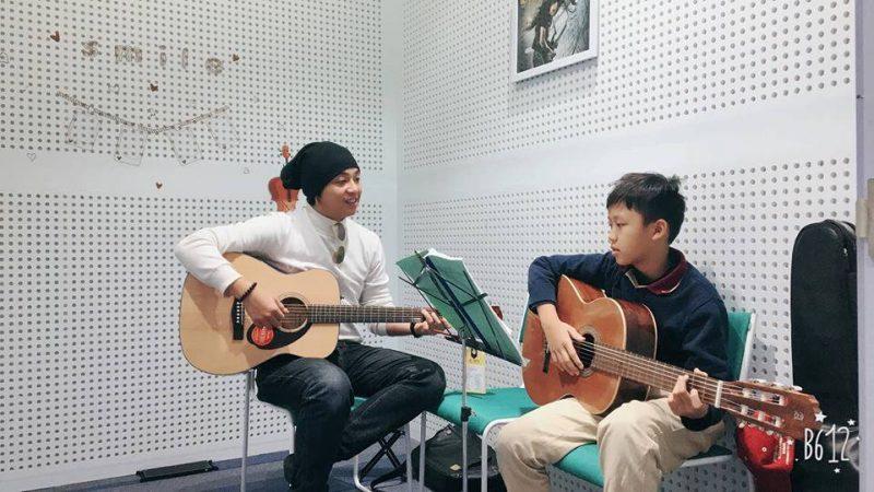 Khóa học đàn Guitar cơ bản uy tín giá rẻ ở TpHCM