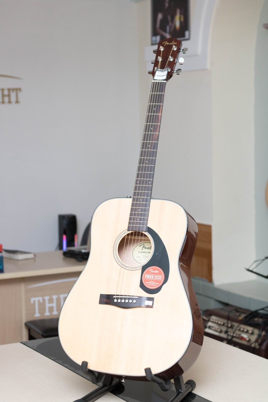 Tổng quan về dòng đàn guitar Fender bạn cần biết