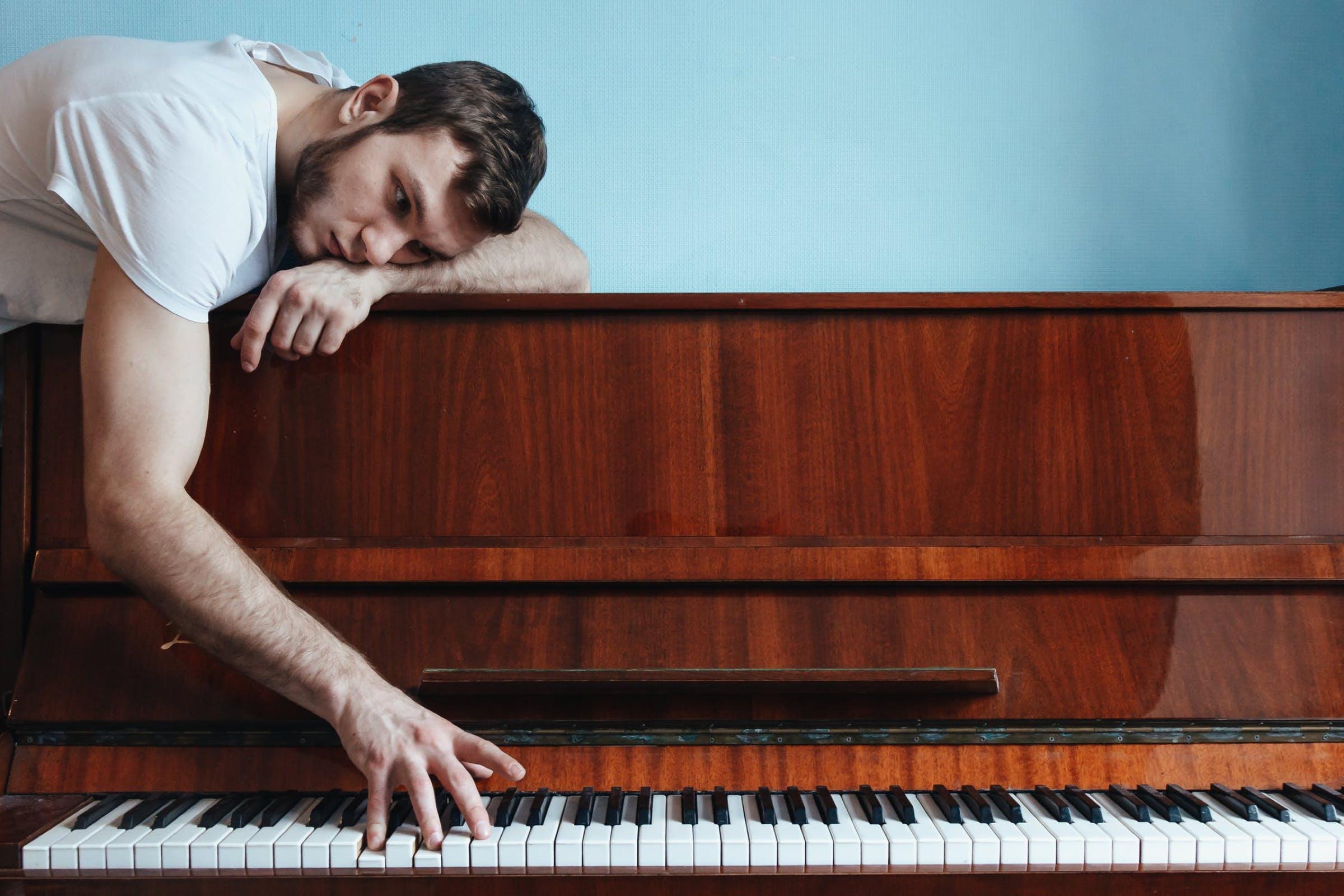 Những khó khăn của người mới học piano   PIANO SINH VIÊN
